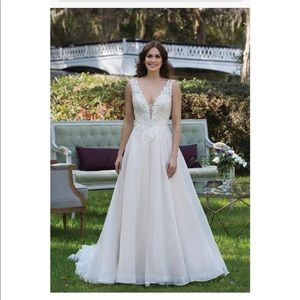 Sincerity style 3941 Wedding gown size 12